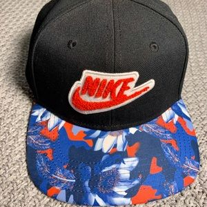Nike Accessories - Floral Nike hat